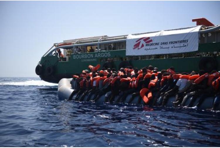 Solidarietà alle navi umanitarie che hanno salvato migliaia di vite umane